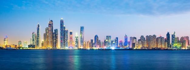 Vista panorâmica de dubai, emirados árabes unidos.