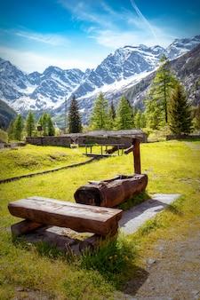 Vista panorâmica de uma paisagem alpina