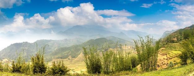 Vista panorâmica do campo de arroz em socalcos em sapa, lao cai, vietnã