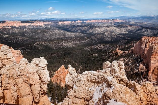 Vista panorâmica do parque nacional bryce canyon no inverno, paisagem no estado de utah