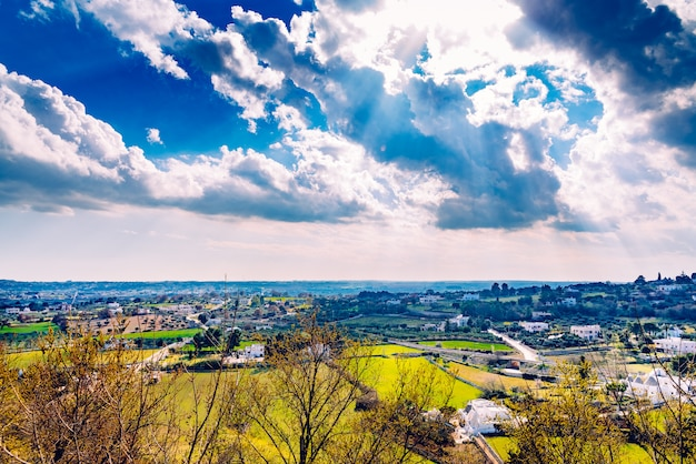 Vista panorâmica do vale da cidade italiana de locorotondo
