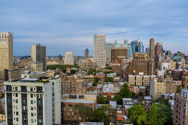 Vista panorâmica no topo de um horizonte de edifícios vista do centro de brooklyn da paisagem da cidade de nova york
