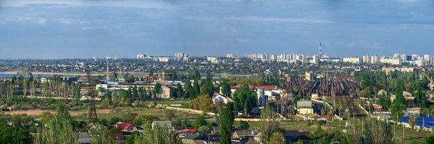 Vista panorâmica superior do distrito industrial de odessa, ucrânia