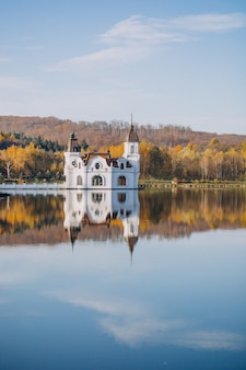 Vista para o lago do castelo