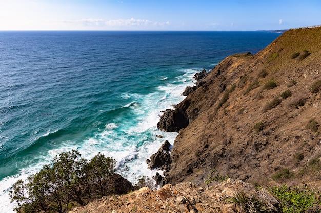 Vista para o mar a partir do topo da capa de byron bay. natureza de novo gales do sul, costa leste da austrália.