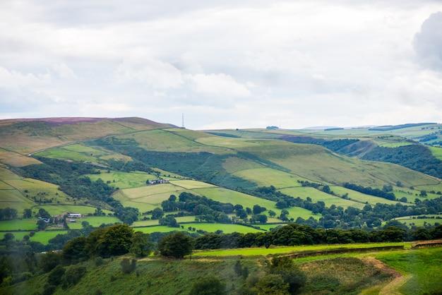 Vista pitoresca nas colinas de stanage edge, inglaterra, reino unido