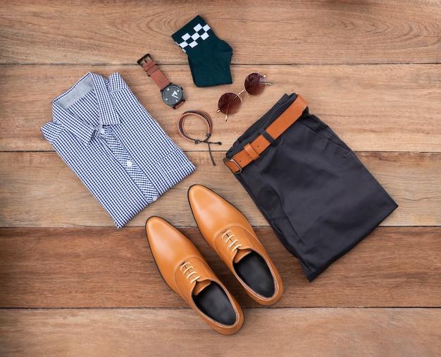 Vista plana leiga, vista superior, homens moda conjunto de roupas casuais