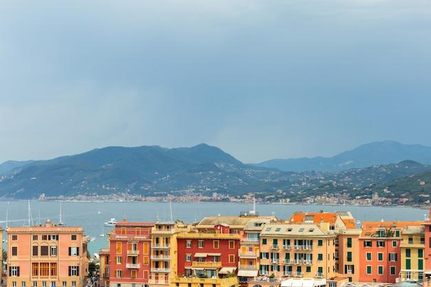 Vista romântica na vila italiana