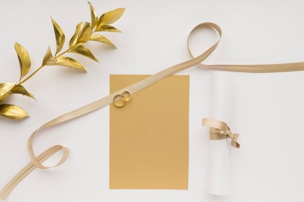 Vista superior anéis de noivado de casamento
