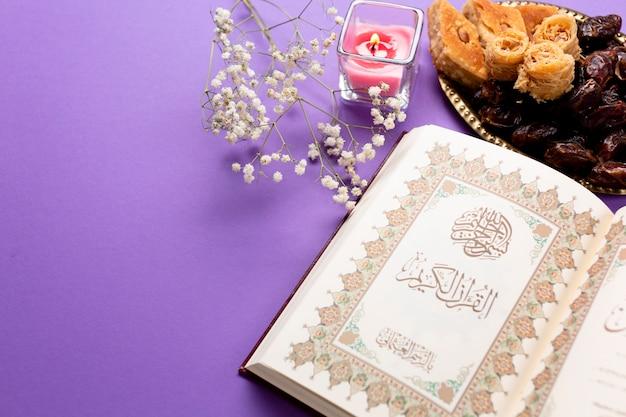 Vista superior ano novo mesa muçulmana
