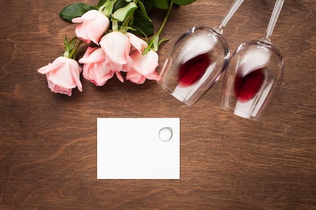 Vista superior arranjo romântico mock-up