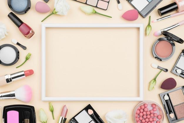 Vista superior composição de produtos de beleza diferentes