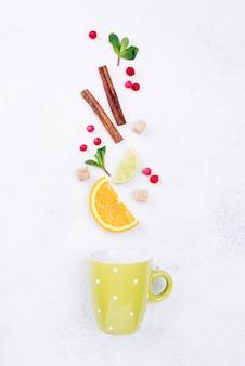 Vista superior composição minimalista de diferentes ingredientes
