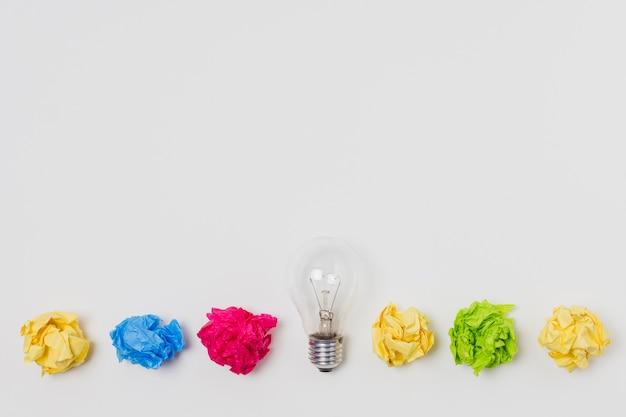 Vista superior conceito de idéia de bolas de papel