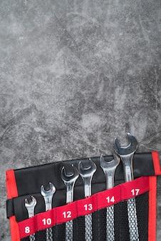 Vista superior conjunto de chaves de metal