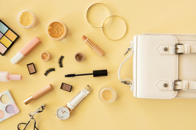 Vista superior cosméticos e acessórios de beleza
