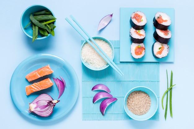 Vista superior, cozinhar sushi