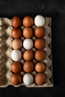 Vista superior da caixa de ovos