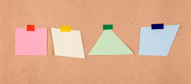Vista superior da coleção de notas adesivas