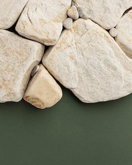 Vista superior da coleção de pedras brancas
