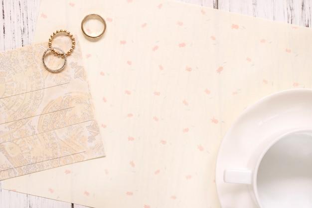 Vista superior da folha de papel em branco