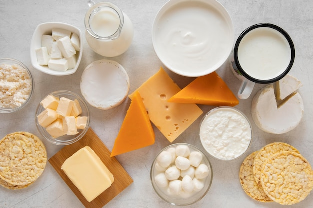 Vista superior da variedade de produtos lácteos