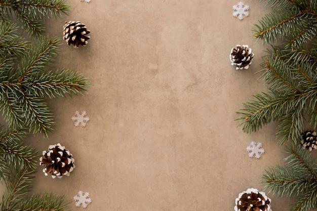 Vista superior das folhas de pinheiro cópia espaço