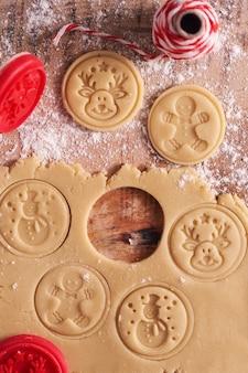 Vista superior de biscoitos doces de gengibre
