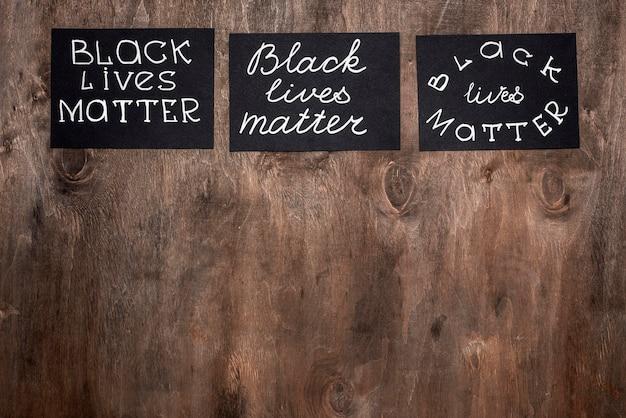 Vista superior de cartas de matéria de vidas negras com espaço de cópia
