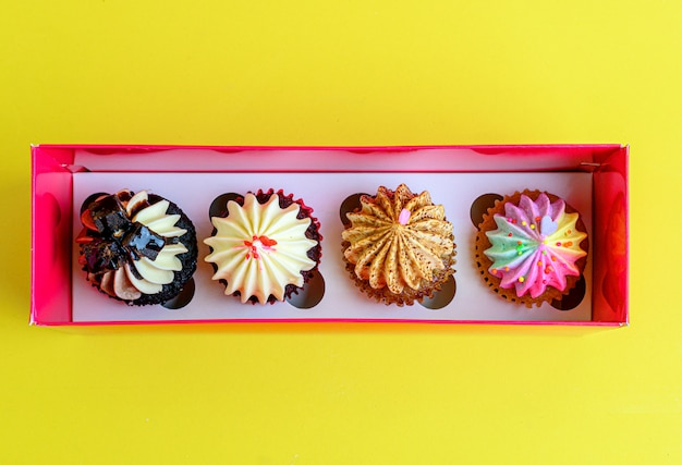 Vista superior de cupcake doces