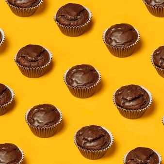 Vista superior de cupcakes de chocolate
