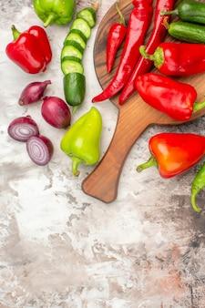 Vista superior de deliciosos vegetais frescos maduros