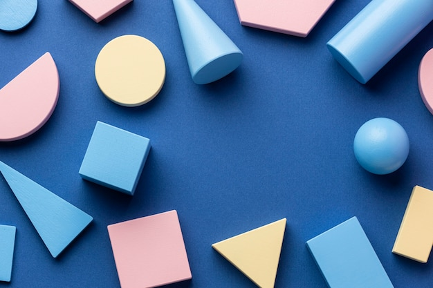 Vista superior de formas geométricas com espaço de cópia