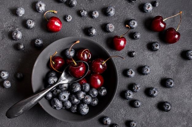 Vista superior de frutas mistas doces