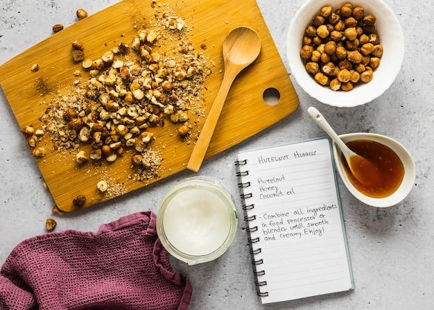 Vista superior de ingredientes alimentares com grão de bico