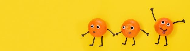 Vista superior de laranjas com espaço de cópia