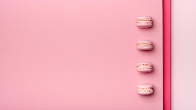 Vista superior de macarons com espaço de cópia