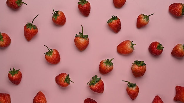 Vista superior de morangos frescos