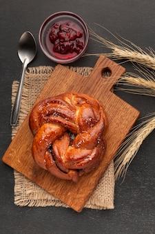 Vista superior de pão caseiro