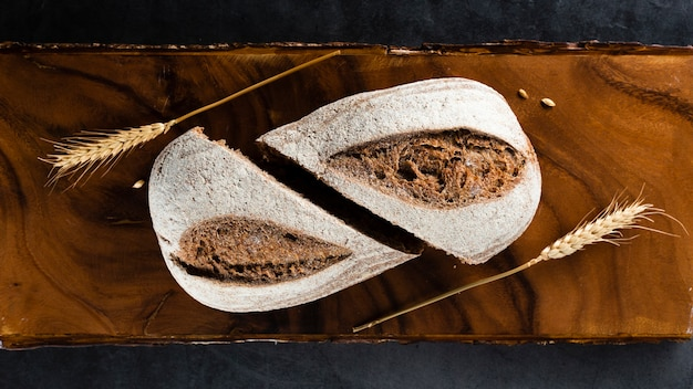 Vista superior de pão e trigo