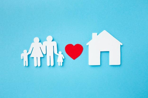 Vista superior de papel cortado conceito de família
