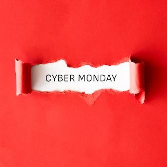 Vista superior de papel rasgado para liberação cibernética de segunda-feira