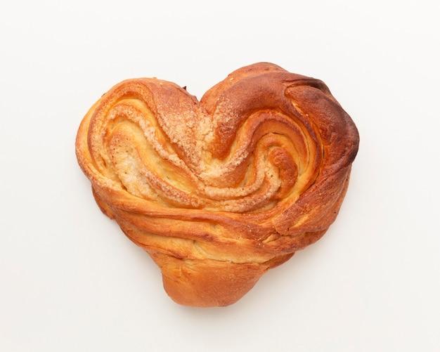 Vista superior de pastelaria em forma de coração