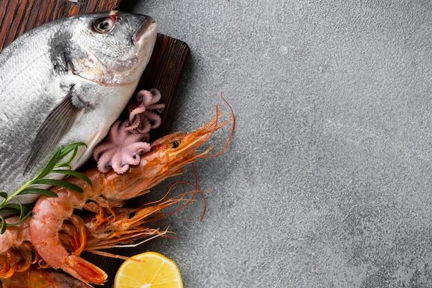 Vista superior de peixe fresco com cópia-espaço