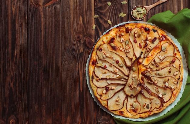 Vista superior, de, pêra, azedo, com, queijo, ligado, rústico, tabela madeira