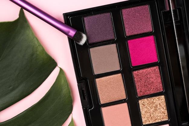 Vista superior de produtos cosméticos