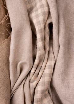 Vista superior de tecidos monocromáticos coloridos