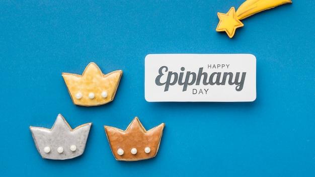 Vista superior de três coroas para o dia da epifania