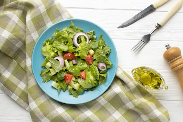 Vista superior deliciosa salada fresca