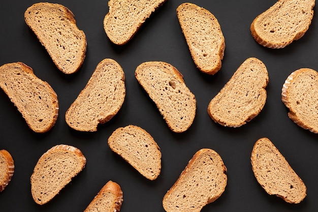Vista superior deliciosas fatias de pão